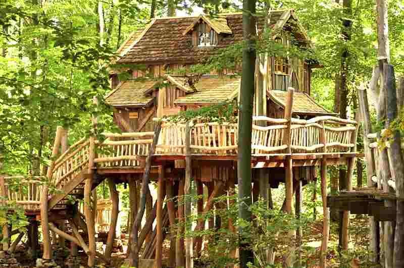 natur-resort-tripsdrill-baumhaus-ansicht-aussen