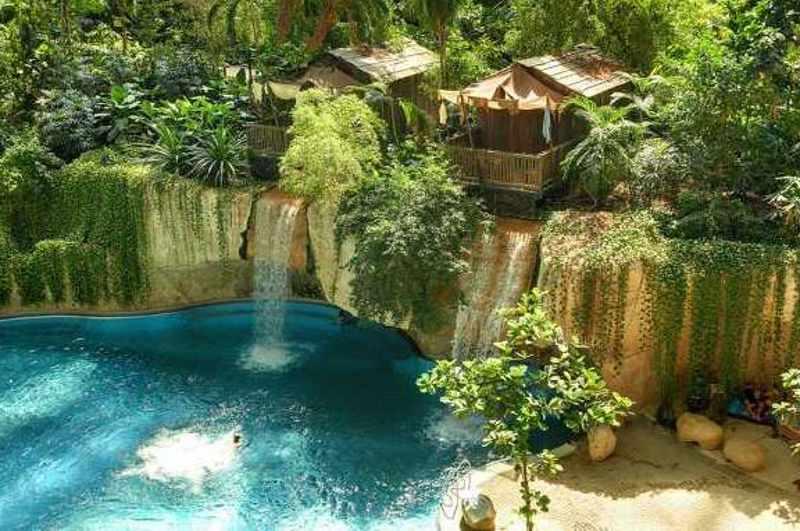 Zum Übernachtungs-Angebot der Tropenwelt Tropical Island soll künftig auch ein Baumhaushotel gehören