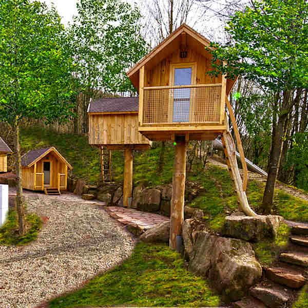 Preiswert übernachten in Baden-Württemberg - Baumhäuser mit Zugang zum Saunaparadies