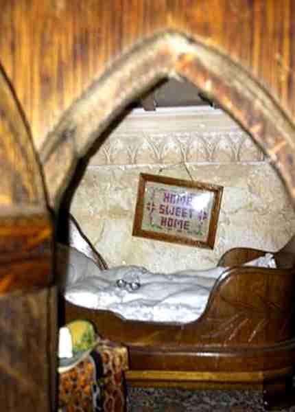 Liebevoll dekoriertes Mäuseloch im Talliston House, Grafschaft Essex