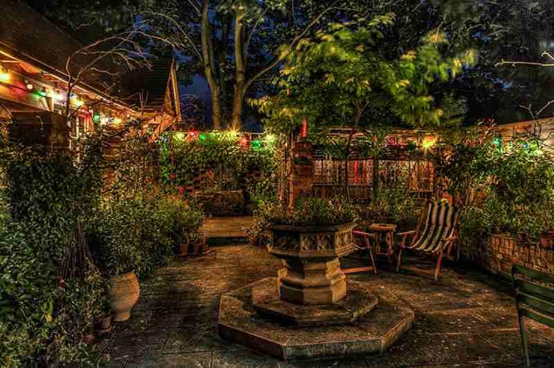 Verwunschener Garten von Talliston House in Great Dumow