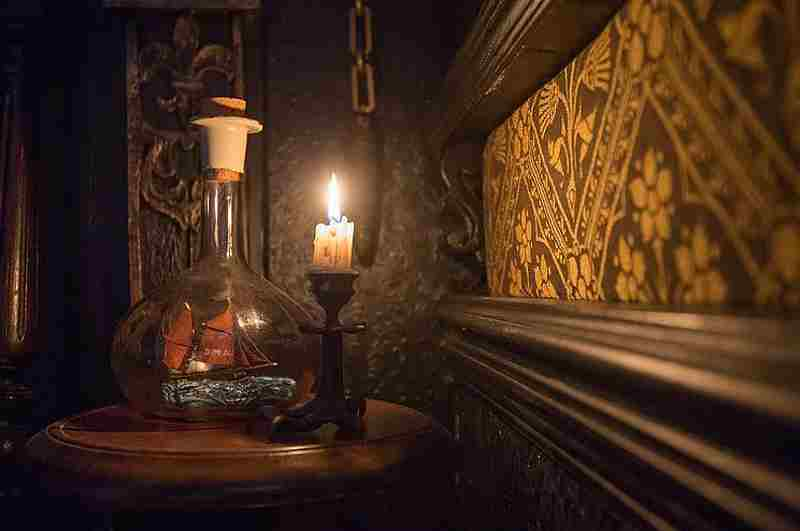 Talliston House Essex - Raumdetail im magischen Kerzenschein