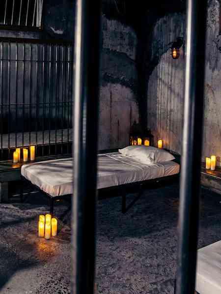Gruselhotel mit Eisengitter: übernachten wie ein Häftling auf Alcatraz