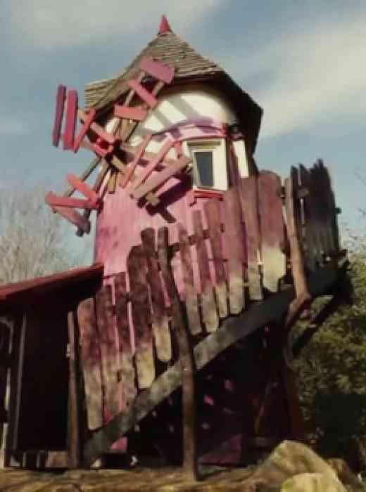 Die Mystische Mühle im sächsischen Freizeitpark Turisede steht als Gruselhotel bei Familien hoch im Kurs