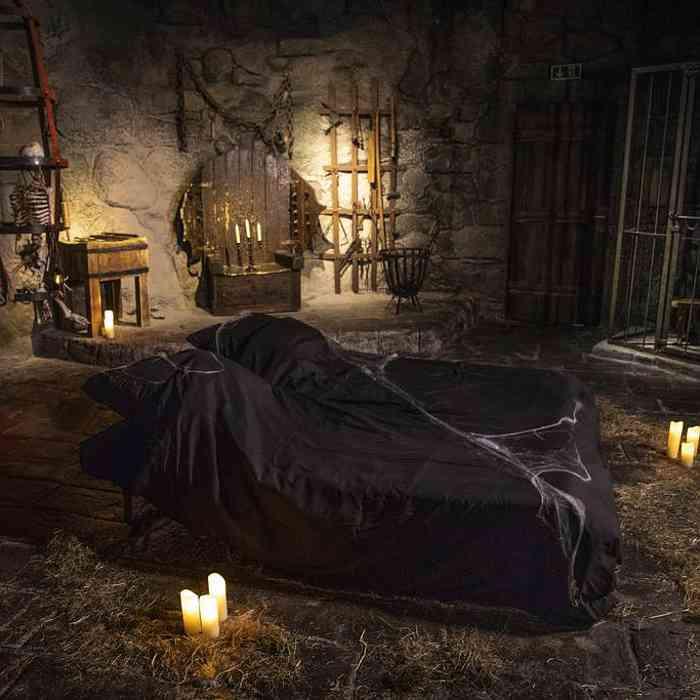 Berlins gruseligstes Schlafzimmer: Folterkammer im Berlin Dungeon