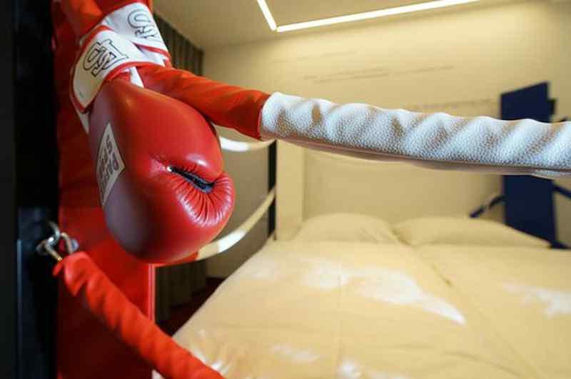 Übernachten im Boxring