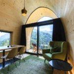 Baumhaushotels in Österreich: Himmelchalet im Alpencamping Nenzing (Ansicht Innen)