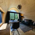 Baumhaushotels in Österreich: Himmelchalet im Alpencamping Nenzing (Detail innen)