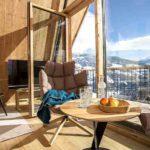 Baumhaushotels in Österreich: Treeloft im Zillertal (Ausblick bei geöffneter Balkontür)