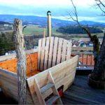 Baumhaushotels in Österreich: Hot Pot auf der Dachterrasse des Baumhaus Prechtlhof in Kärnten
