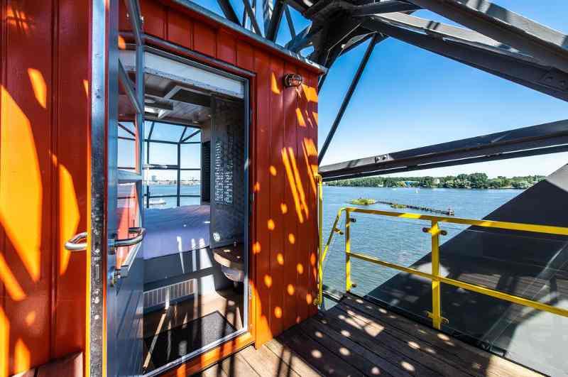 Kranhotel The Yays in Amsterdam: Ansicht mit geöffneter Tür