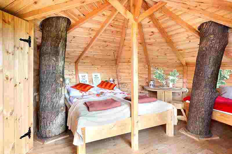 Baumhaushotels Tschechien: ein Baumhaus in 9 Meter Höhe bietet das Green Valley Resort bei Prag