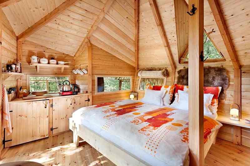 Das Stromhouse in Mittelböhmen gehört zu den schönsten Baumhaushotels in Tschechien