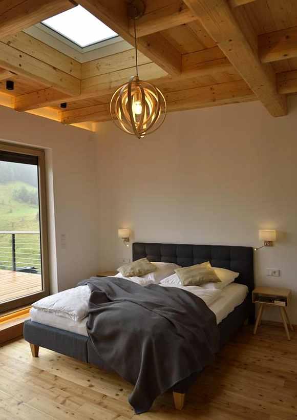 Baumhaushotels Niedersachsen: Schlafzimmer im Harzer Stelzenhaus Resina Arts