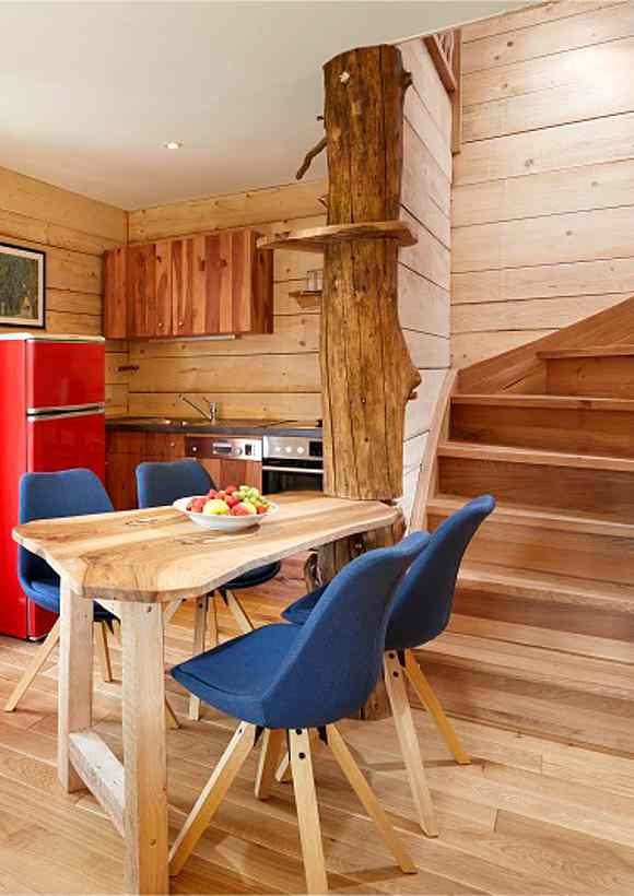 Eines der schönsten Baumhaushotels in NRW betreibt der Gasthof zu den Linden in Oberhundem
