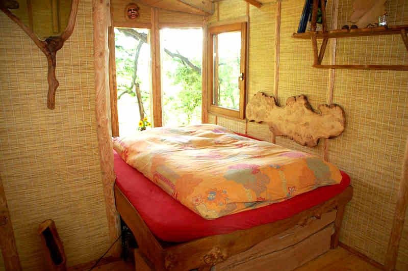 Abenteuerlich Übernachten im Baumhaus mit Blick auf den Bodensee