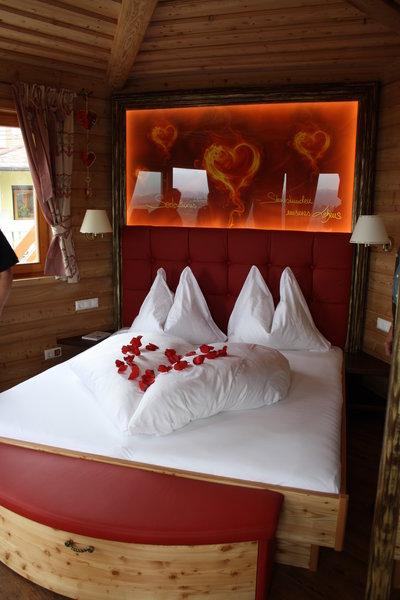 Der Prechtlhof in Kärnten gehört zu den schönsten Baumhaushotels in Österreich