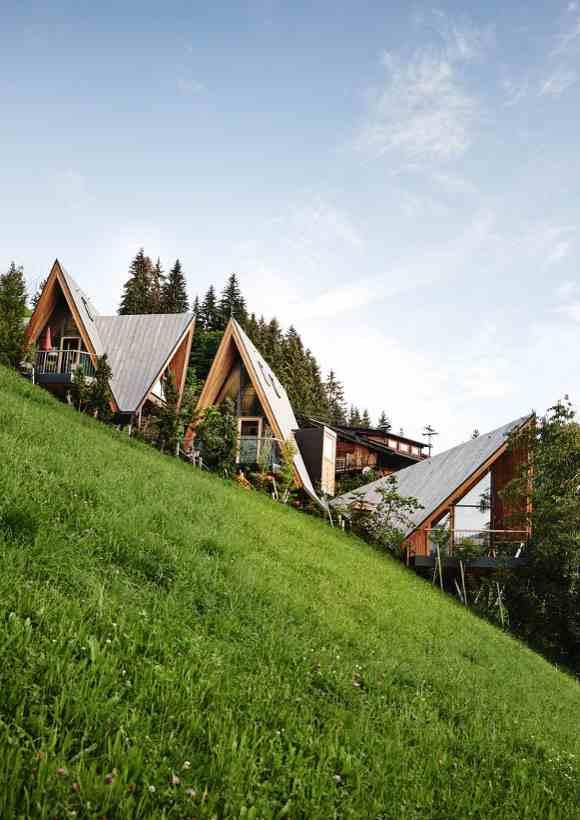 Die Tiroler Treelofts im Chalet Resort Hochleger gehören zu den luxuriösen Baumhaushotels in Österreich
